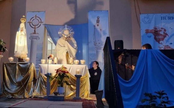Adorácia Najsvätejšej Oltárnej Sviatosti